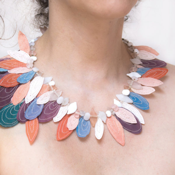 bijoux en matériaux nobles