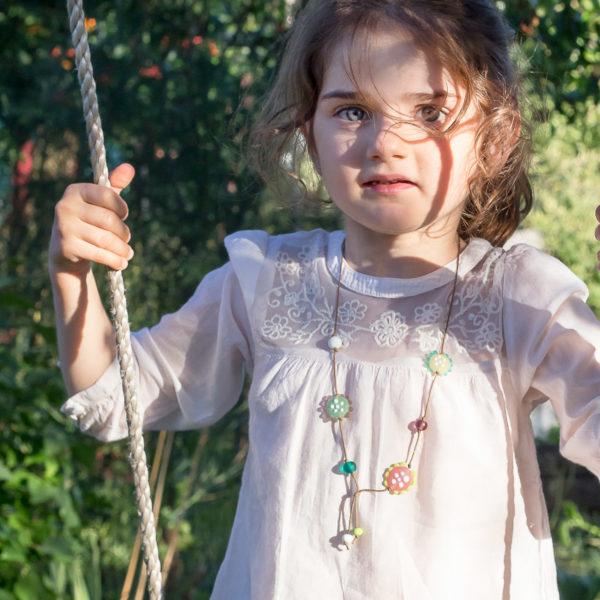 Collier pour enfant coloré et doux au toucher