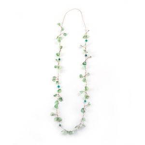 Grand collier aux teintes verte et bleue